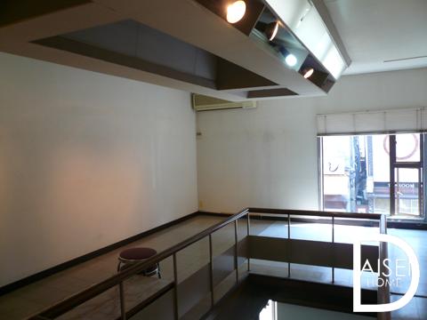 内装、2階。