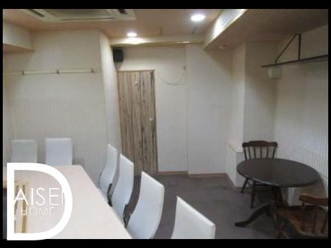 シンプルな内装で、リーズナブルな家賃ではじめてのお店にお勧めです。